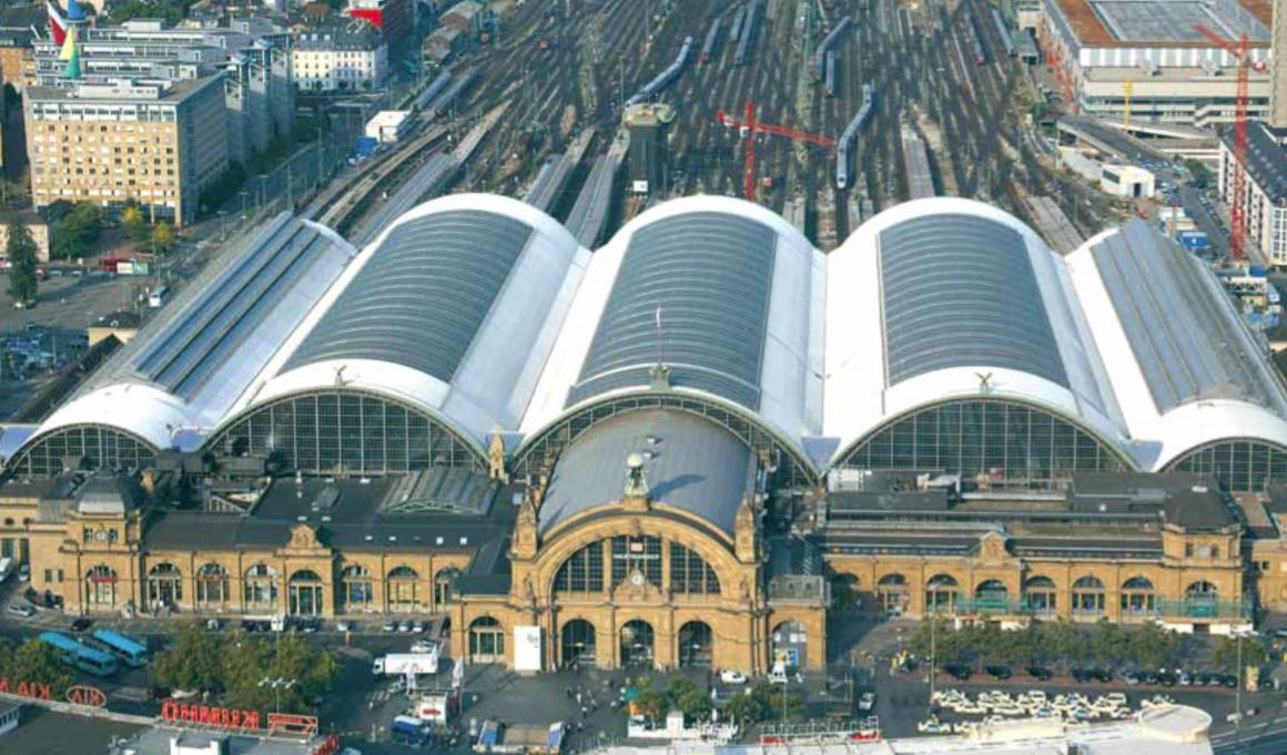 Central train station Frankfurt/Main (material: aluminium stucco-embossed curved)