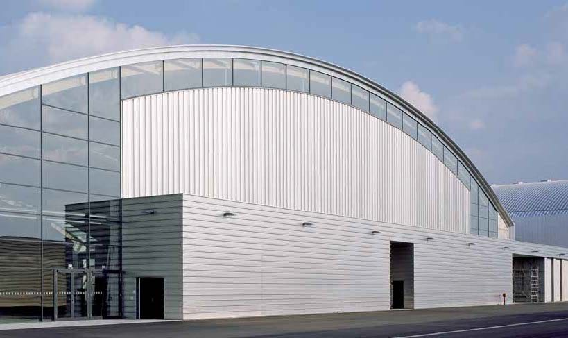 New trade fair halls Karlsruhe (material: aluminium stucco-embossed curved)