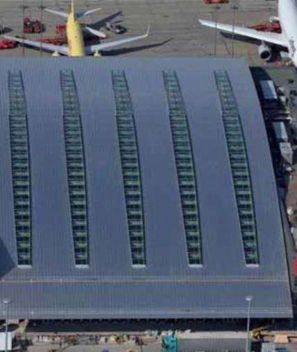 Airport 'SkyWorld Plaza' Hamburg (material: aluminium stucco-embossed protective plating on both sides forced curved)